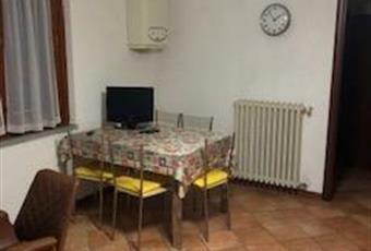 Il pavimento è piastrellato Toscana PT Quarrata