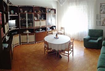 Il salone è luminoso, il pavimento è di parquet Trentino-Alto Adige BZ Bolzano