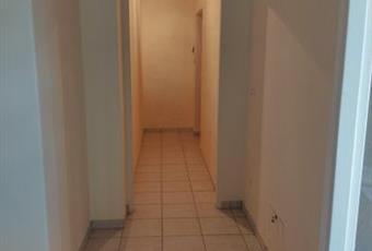 Il pavimento è piastrellato, il salone è con soffitto a volta Lazio LT Fondi