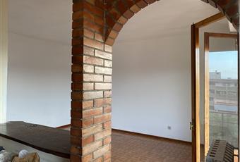 La stanza è particolarmente luminoso, con accesso alla terrazza. Collegato con la cucina Toscana PO Prato