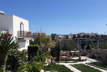 giardino in comune con barbeque Sicilia SR Noto