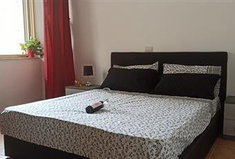 Il pavimento è piastrellato, la camera è luminosa Sardegna OR Bosa