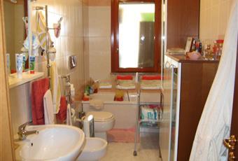 bagno con vasca, scaldabagno elettrico da 30l e lavatrice Sardegna CA Assemini