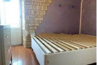La camera è luminosa, il pavimento è di parquet Lazio RM Gallicano nel Lazio