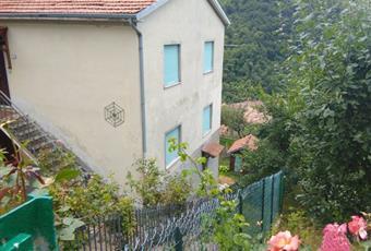 Vendesi casa indipendente a Frazione Montaldo di Cosola