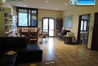 Il pavimento è piastrellato, il salone è luminoso Emilia-Romagna MO Castelfranco Emilia