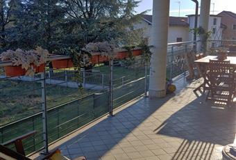 Terrazzo coperto di ampia metratura con posizione privilegiata. Lavandino esterno. Piemonte AL Castellazzo Bormida