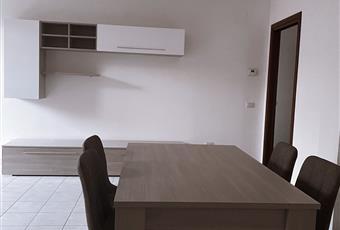 Il pavimento è piastrellato, il salone è luminoso Abruzzo TE Sant'Omero