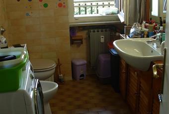 2° bagno luminoso, con attacchi lavatrice e finestra sul balcone Piemonte AL Alessandria