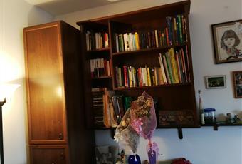 2° Camera da letto . Il pavimento è di parquet, la camera è luminosa con affaccio sul balcone Piemonte AL Alessandria