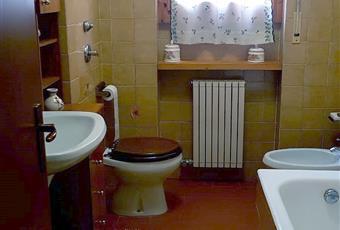 Il salone è luminoso, la cucina è luminosa, il bagno è luminoso, il pavimento è piastrellato, la camera è luminosa Lombardia VA Varese