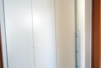 Anticamera con parete attrezzata dotata di armadio molto capiente, sia un altezza che in profondità.Il pavimento è piastrellato Lombardia LO Lodi