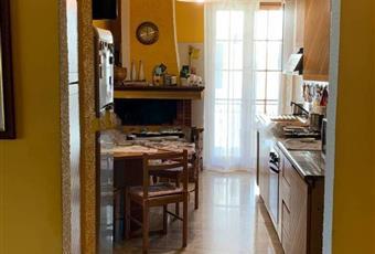 La cucina è luminosa, il pavimento è di parquet Abruzzo PE Cepagatti