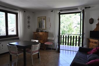 Il pavimento è piastrellato, il salone è luminoso Piemonte CN Limone Piemonte