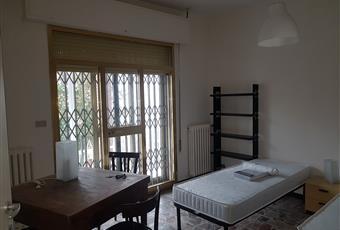 Il pavimento è piastrellato, la camera è luminosa Emilia-Romagna FE Ferrara