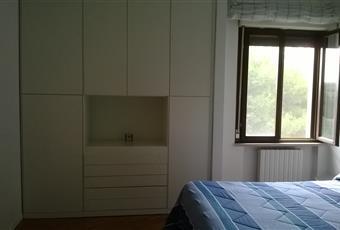 L'armadio a muro rende l'ambiente funzionale e comodo. Parquet in tutta la casa eccetto i bagni. Puglia BR Brindisi