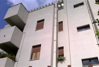 Facciata dello stabile . L'appartamento è al II* piano. Puglia BR Brindisi