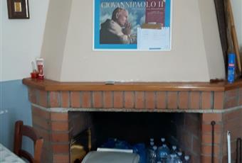 soggiorno- pranzo con accesso all'ingresso, alla cucina ed al balcone tramite porta finestra Calabria VV Dasà