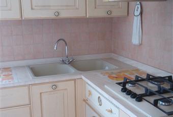 cucina recentemente ristrutturata, frigorifero nuovo, lavatrice, 4 fornelli  Lombardia BG Dalmine