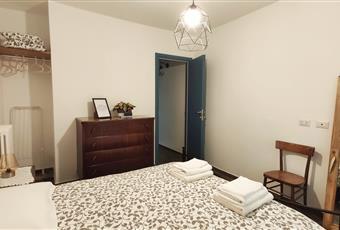 La camera è luminosa, il pavimento è di parquet Campania AV Calitri