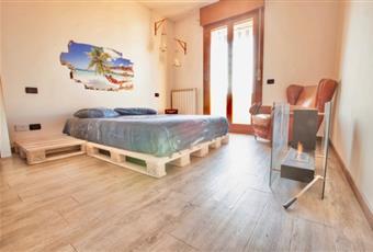 La camera da letto matrimoniale è molto luminosa e da essa si accede al terrazzino esterno Veneto VE Fossò
