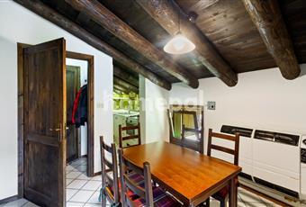 Sala da pranzo con cucina ad angolo Valle d'Aosta AO Chamois