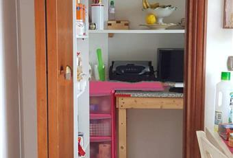 Il pavimento è piastrellato, la cucina è luminosa Calabria CZ Catanzaro