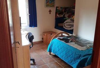Il pavimento è piastrellato, la camera è luminosa Campania BN Santa Croce del Sannio