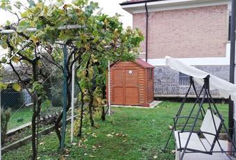 Il giardino è con erba Piemonte AL Villadeati