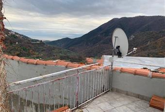Villa a schiera via Villaro 9, Balestrino