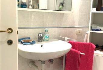 2 bagni gemelli completi di doccia e boiler istantaneo  per l'acqua calda Veneto VR Garda
