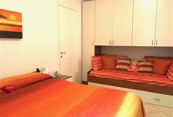 Camera con due armadi e 4 posti letto. Altra camera analoga Veneto VR Garda