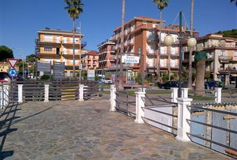palazzina vista dalla passeggiata Liguria SV Andora