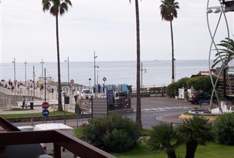 vista dai balcone terrazzini verso il mare Liguria SV Andora