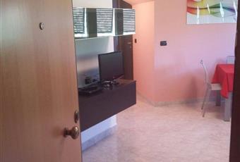 Il pavimento è piastrellato, il salone è luminoso Liguria SP Carrodano