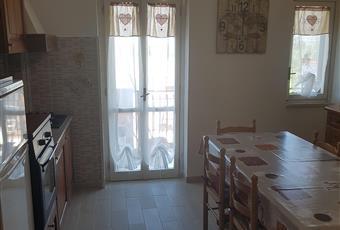Stanza luminosa con soffitto alto composta da salone + angolo cottura Calabria CZ Nocera Terinese