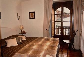 Il pavimento è di parquet, il salone è luminoso Valle d'Aosta AO La Salle