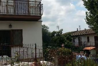 Affitto di Casa indipendente in viale Roma, 72