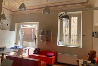 Negozio/Ufficio 7 vetrine angolari