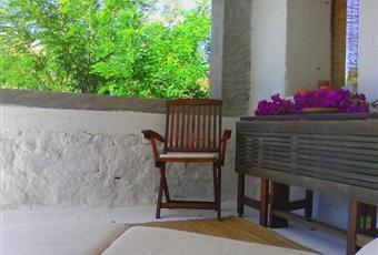 L'esposizione a sud, le varie zone d'ombra e l'ottimo clima ventilato assicurano piacevoli soggiorni per ogni stagione Calabria RC Caulonia