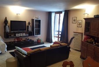 Il pavimento è piastrellato, il salone è luminoso Piemonte TO Usseaux