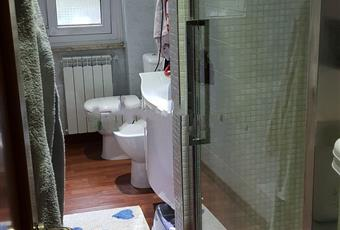 Il bagno è con, il bagno è luminoso, il bagno è con  Liguria SP La Spezia