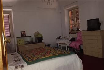 Il salone è con mattoni a vista Piemonte AT Asti
