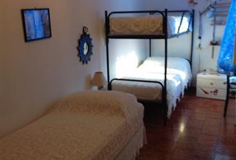 Il salone è luminoso, il pavimento è piastrellato Toscana GR Castiglione della Pescaia