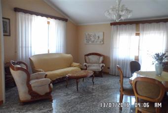 Ampia stanza matrimoniale ad uso singola in villa