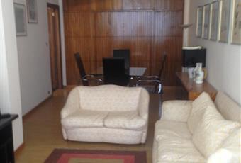 Il pavimento è piastrellato, la cucina è luminosa, il pavimento è di parquet Puglia BA Bari
