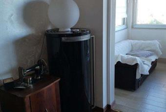 Il pavimento è di parquet, la camera è luminosa Lombardia BS Desenzano del Garda