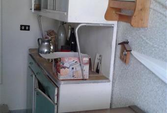 Ampio dietro cucina con annesso garage molto grande ed anche per posto macchina.  Campania AV Torella dei Lombardi