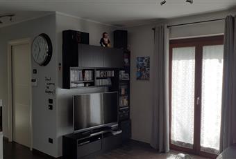 Il salone è luminoso con un ampio angolo cottura. Valle d'Aosta AO Fenis