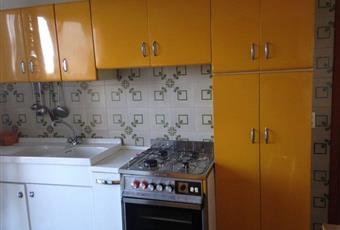 Il pavimento è piastrellato, la cucina è luminosa Abruzzo TE Sant'Omero